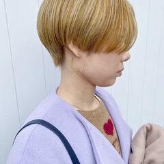 ブリーチ ショートヘア ブロンドカラー ショートボブ ヘアスタイルや髪型の写真・画像