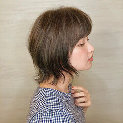 ベージュ グリーン カーキアッシュ ナチュラル ヘアスタイルや髪型の写真・画像