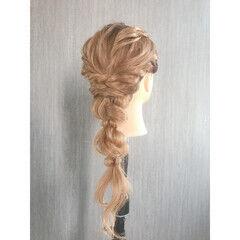 フェミニン ロング パーティヘア ゆるふわ ヘアスタイルや髪型の写真・画像