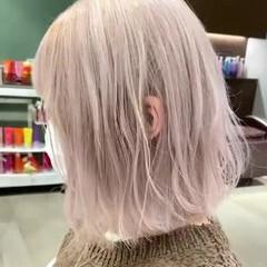 ハイトーン ホワイトシルバー ホワイトグレージュ ホワイト ヘアスタイルや髪型の写真・画像