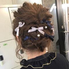 ヘアアレンジ 編み込み ヘアアクセ ナチュラル ヘアスタイルや髪型の写真・画像