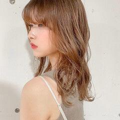レイヤーカット ゆるふわパーマ ウルフカット ワイドバング ヘアスタイルや髪型の写真・画像