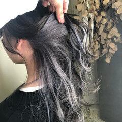 インナーカラー 波ウェーブ 外国人風カラー アッシュグレージュ ヘアスタイルや髪型の写真・画像