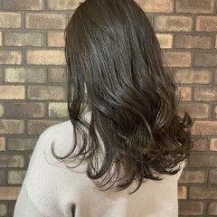透明感 ブルーアッシュ イルミナカラー セミロング ヘアスタイルや髪型の写真・画像