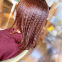 オレンジカラー ミディアム オレンジブラウン 艶髪 ヘアスタイルや髪型の写真・画像