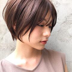 お団子アレンジ ブラントカット パーマ インナーカラー ヘアスタイルや髪型の写真・画像