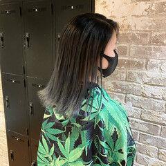 シルバー ブリーチ ストリート ミディアム ヘアスタイルや髪型の写真・画像
