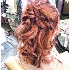 ガーリー イルミナカラー ミディアム ヘアセット ヘアスタイルや髪型の写真・画像