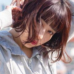 パーマ 切りっぱなしボブ 前髪パッツン ベリーピンク ヘアスタイルや髪型の写真・画像