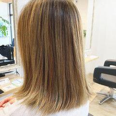 切りっぱなしボブ 透明感カラー インナーカラー イルミナカラー ヘアスタイルや髪型の写真・画像