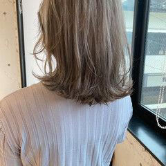 ベージュカラー アッシュベージュ グレージュ くびれボブ ヘアスタイルや髪型の写真・画像