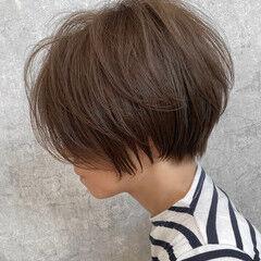 ママヘア ショートボブ グレージュ ナチュラル ヘアスタイルや髪型の写真・画像