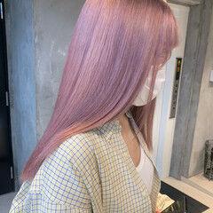 ハイトーンカラー ミルクティーベージュ ロング ピンク ヘアスタイルや髪型の写真・画像