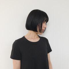 ミニボブ 黒髮 地毛風カラー 前髪パッツン ヘアスタイルや髪型の写真・画像