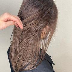 ミルクティーベージュ ハイライト セミロング 大人ハイライト ヘアスタイルや髪型の写真・画像