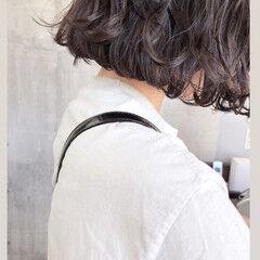 ウェーブ なみウェーブ アンニュイほつれヘア ショート ヘアスタイルや髪型の写真・画像