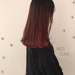 インナーカラーレッド レッド レッドカラー ロング ヘアスタイルや髪型の写真・画像