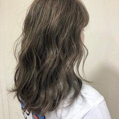 ストリート セミロング オリーブカラー ヘアスタイルや髪型の写真・画像