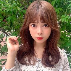 可愛い セミロング 韓国 フェミニン ヘアスタイルや髪型の写真・画像