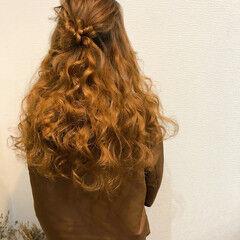 フェミニン お団子 ハーフアップ ヘアセット ヘアスタイルや髪型の写真・画像