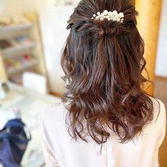 お呼ばれヘア ハーフアップ 結婚式ヘアアレンジ ナチュラル ヘアスタイルや髪型の写真・画像