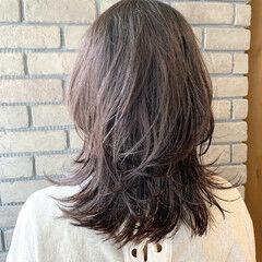 ウルフカット デート ウルフパーマ ミディアム ヘアスタイルや髪型の写真・画像