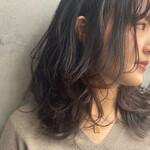 アンニュイほつれヘア 大人かわいい セミロング 濡れ髪スタイル