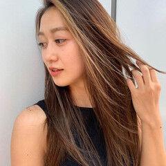 ハイライト ロング スライシングハイライト PEEK-A-BOO ヘアスタイルや髪型の写真・画像