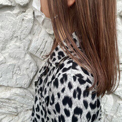 ブリーチカラー ベージュ ミルクティーベージュ セミロング ヘアスタイルや髪型の写真・画像