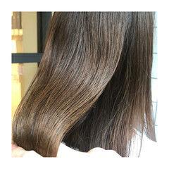 アッシュベージュ セミロング ツヤツヤ イルミナカラー ヘアスタイルや髪型の写真・画像
