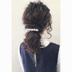 ポニーテール ウェーブ ヘアアレンジ ローポニーテール ヘアスタイルや髪型の写真・画像