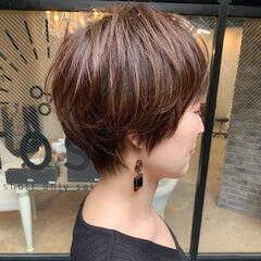 ショートヘア マッシュショート ショートボブ アンニュイほつれヘア ヘアスタイルや髪型の写真・画像