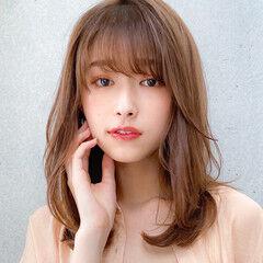 ミディアム 小顔 ミディアムレイヤー レイヤーカット ヘアスタイルや髪型の写真・画像