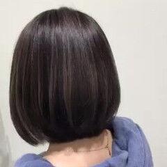 アッシュグレージュ コントラストハイライト フェミニン ボブ ヘアスタイルや髪型の写真・画像
