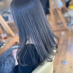 シルバーグレージュ ロング 透明感カラー グレージュ ヘアスタイルや髪型の写真・画像
