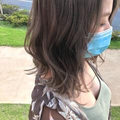 ミディアムレイヤー うる艶カラー 透明感カラー ミディアム ヘアスタイルや髪型の写真・画像