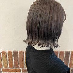 アッシュベージュ アッシュ ボブ 外ハネボブ ヘアスタイルや髪型の写真・画像