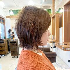 外ハネボブ 切りっぱなしボブ レイヤーボブ 外ハネ ヘアスタイルや髪型の写真・画像