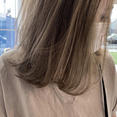 レイヤーボブ ベージュ ミルクティーベージュ ナチュラル ヘアスタイルや髪型の写真・画像