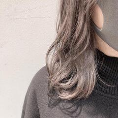 ブリーチ ホワイトグレージュ インナーカラー ストリート ヘアスタイルや髪型の写真・画像