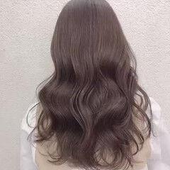 ロング ナチュラル ブリーチなし ミルクティーグレージュ ヘアスタイルや髪型の写真・画像