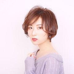 秋ブラウン キュート フェミニン ショートボブ ヘアスタイルや髪型の写真・画像