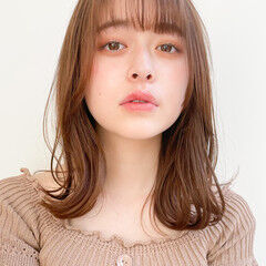 インナーカラー 小顔ヘア 透明感 ナチュラル ヘアスタイルや髪型の写真・画像