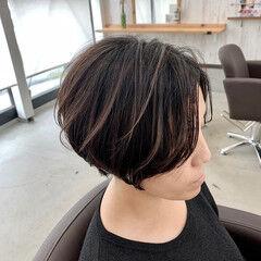 ハンサムショート ナチュラル 大人ハイライト 3Dハイライト ヘアスタイルや髪型の写真・画像