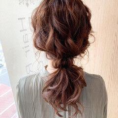 ナチュラル ヘアアレンジ セミロング お呼ばれヘア ヘアスタイルや髪型の写真・画像