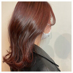 セミロング レッドブラウン 韓国ヘア 韓国風ヘアー ヘアスタイルや髪型の写真・画像