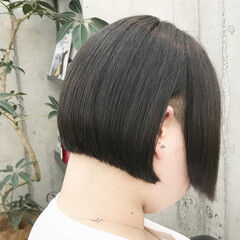 モード ショートヘア 前下がりボブ ショートボブ ヘアスタイルや髪型の写真・画像