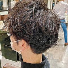 スパイラルパーマ メンズマッシュ メンズパーマ メンズ ヘアスタイルや髪型の写真・画像