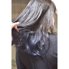 インナーブルー イヤリングカラー ブルー ネイビーブルー ヘアスタイルや髪型の写真・画像