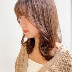 セミロング ナチュラル レイヤースタイル 愛され ヘアスタイルや髪型の写真・画像